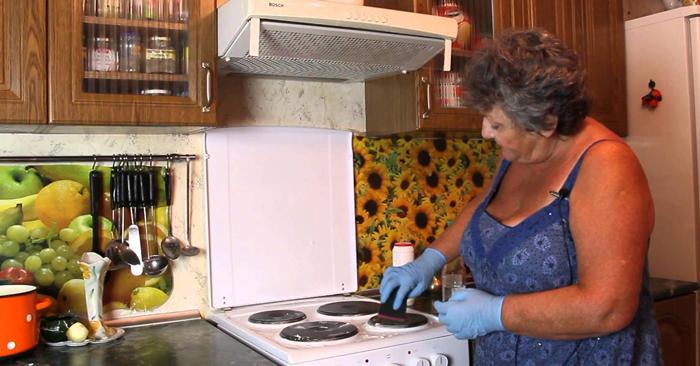 отмыть кухню от жира