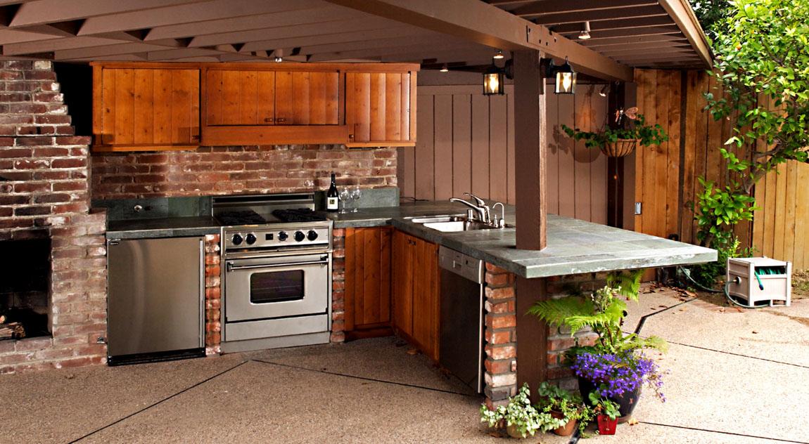 Из чего построить кухню на даче своими руками 77