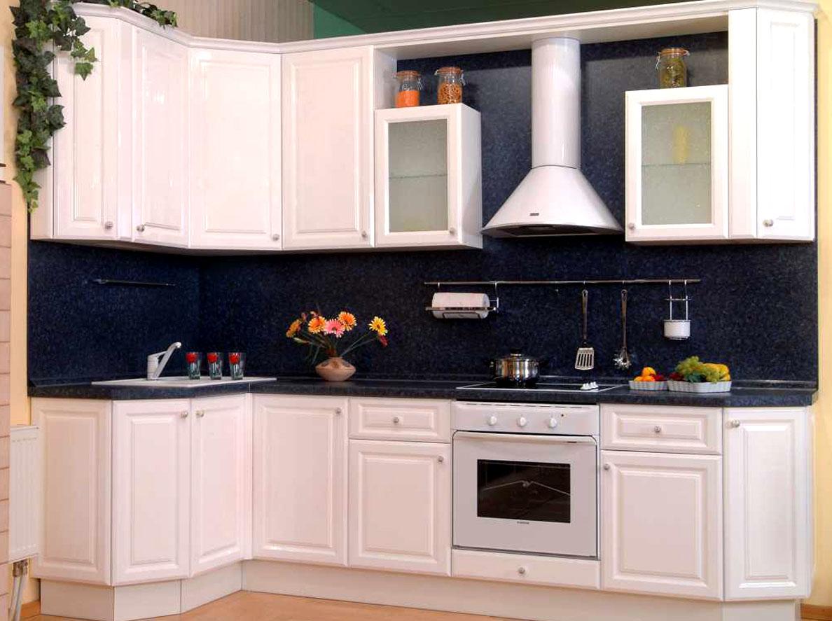 Кухня покрытая пленкой