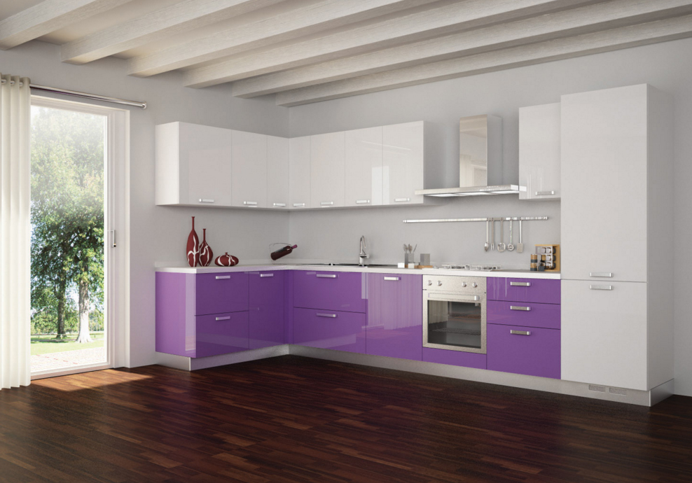 Фиолетовая светлая кухня