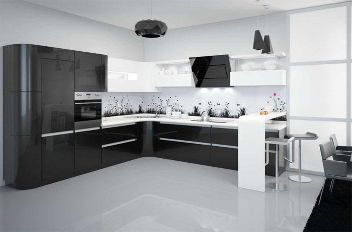 Глянцевая черная кухня