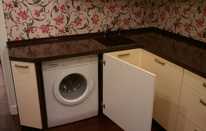 Установка встроенной стиральной машины