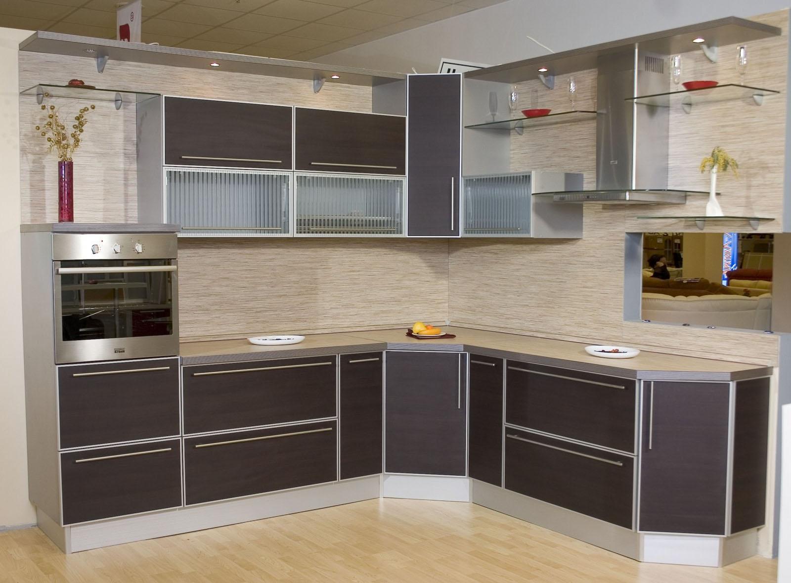 Фасады для кухни: советы специалиста