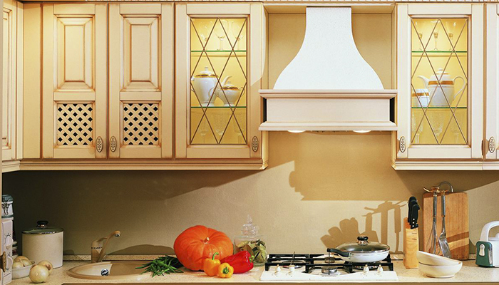 Витражные стекла в кухонном гарнитуре