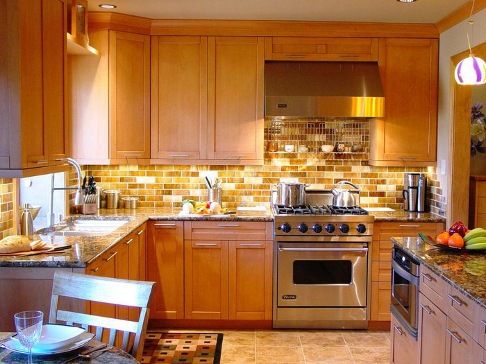 Terrific-Transitional-Brown-Tile-Kitchen-Backsplash-Design-with-Wooden-Cabinets-Feat-Colorful-Glass-Countertop-Also-Bulb-Lighting-Decoration