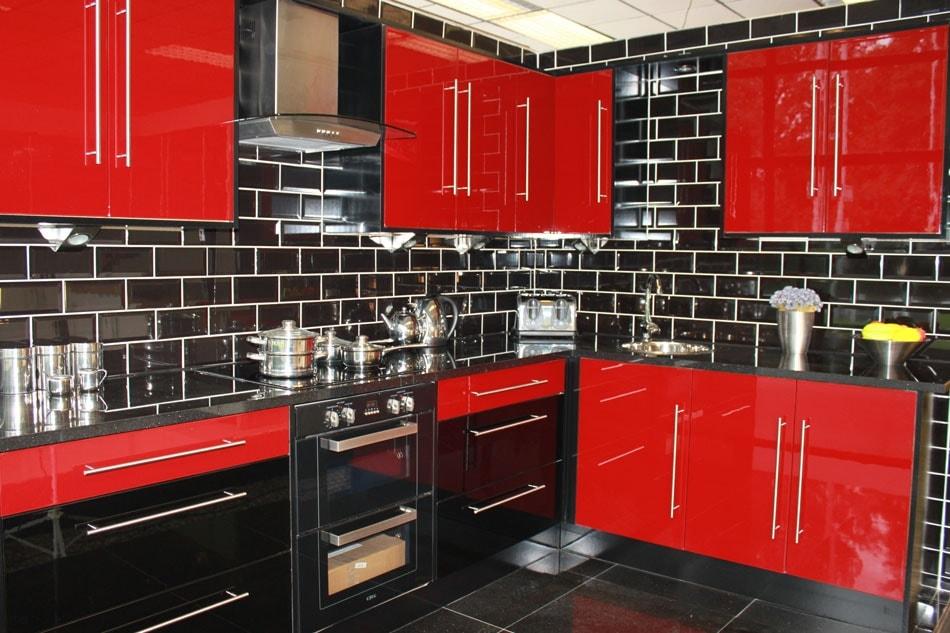 red-kitchen-3-min
