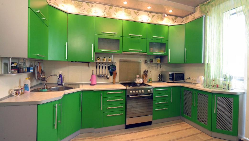Интерьер кухни в зеленом цвете