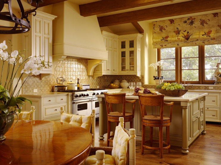 Интерьер кухни фото в испанском стиле