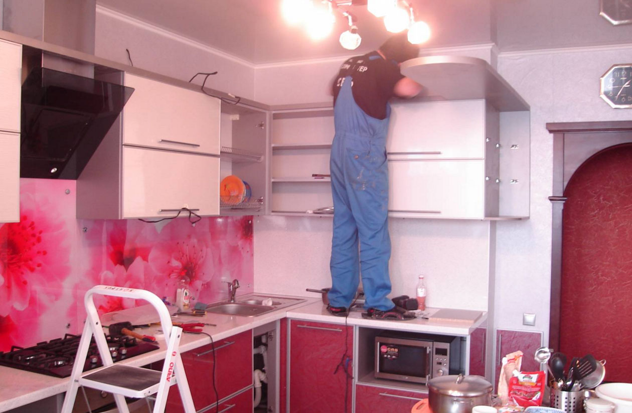 Сборка кухонного гарнитура  видео 112