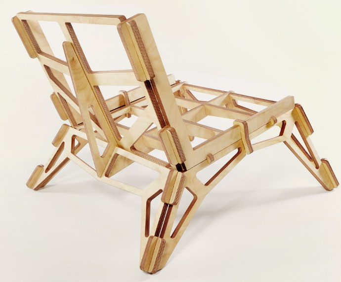 стильный стул из фанеры