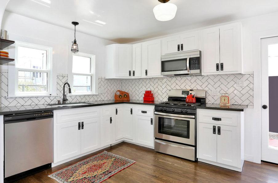 Фартук для белой кухни 60 фото