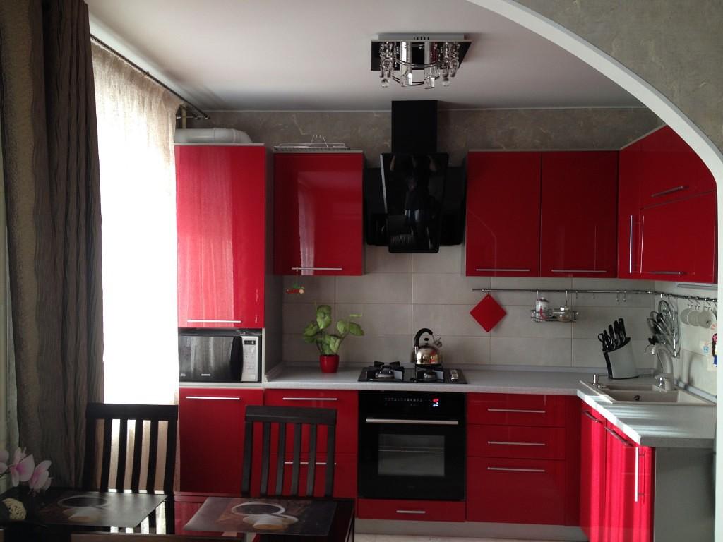 Кухня вишневого цвета