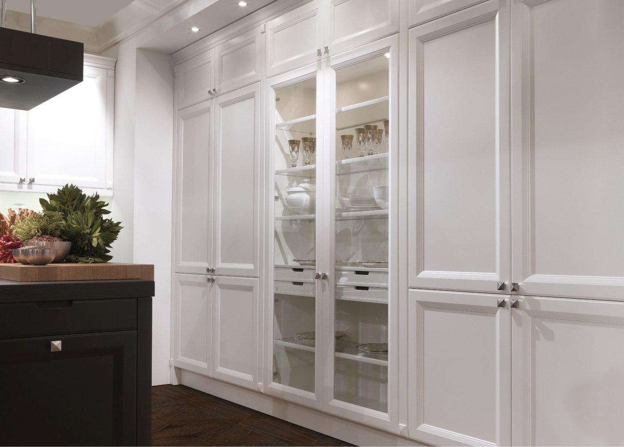 Встроенные шкафчики на кухне