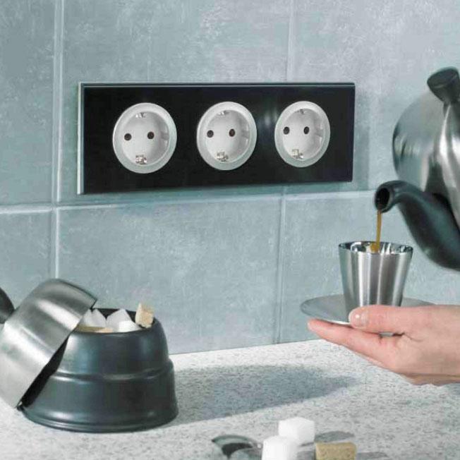Съемные розетки на кухне