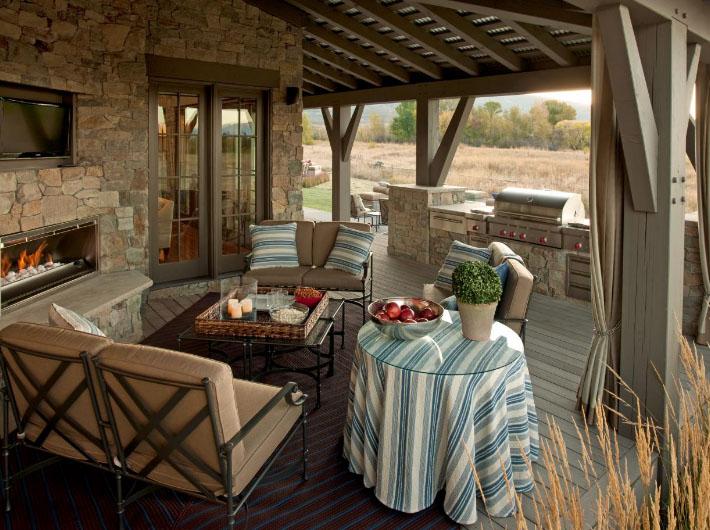 летняя кухня с открытой верандой