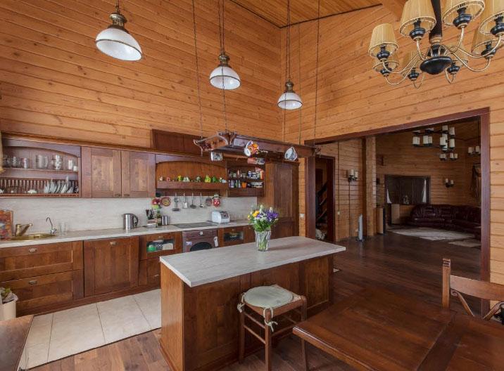 Вагонка в отделке кухни