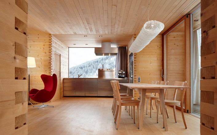 вагонка на деревянной кухне