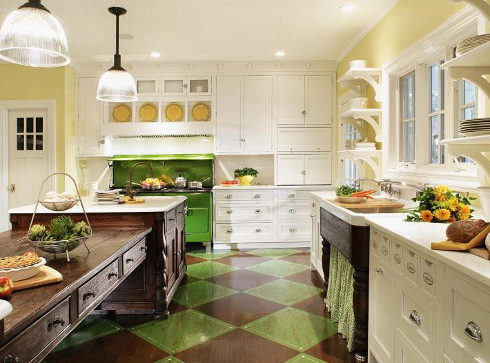 кухня кантри в оттенках зеленого и красного цвета