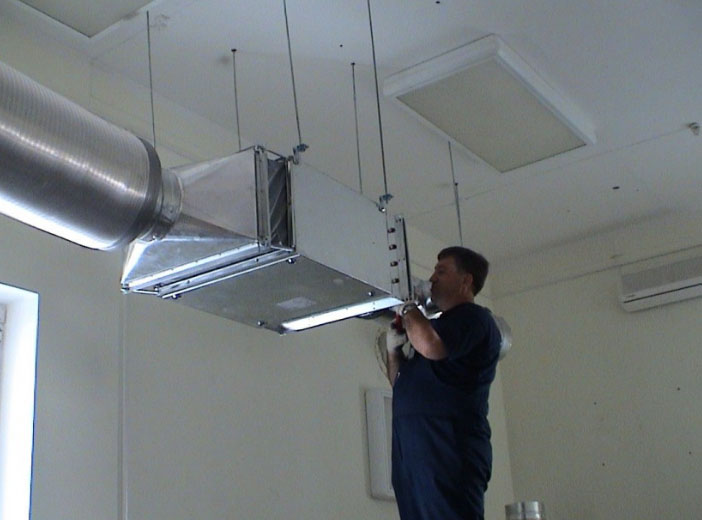 монтаж вентиляционного короба