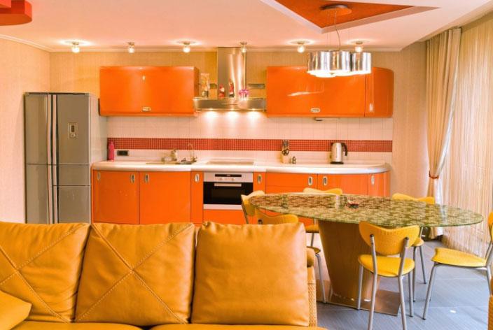 оранжевая комбинация в кухне