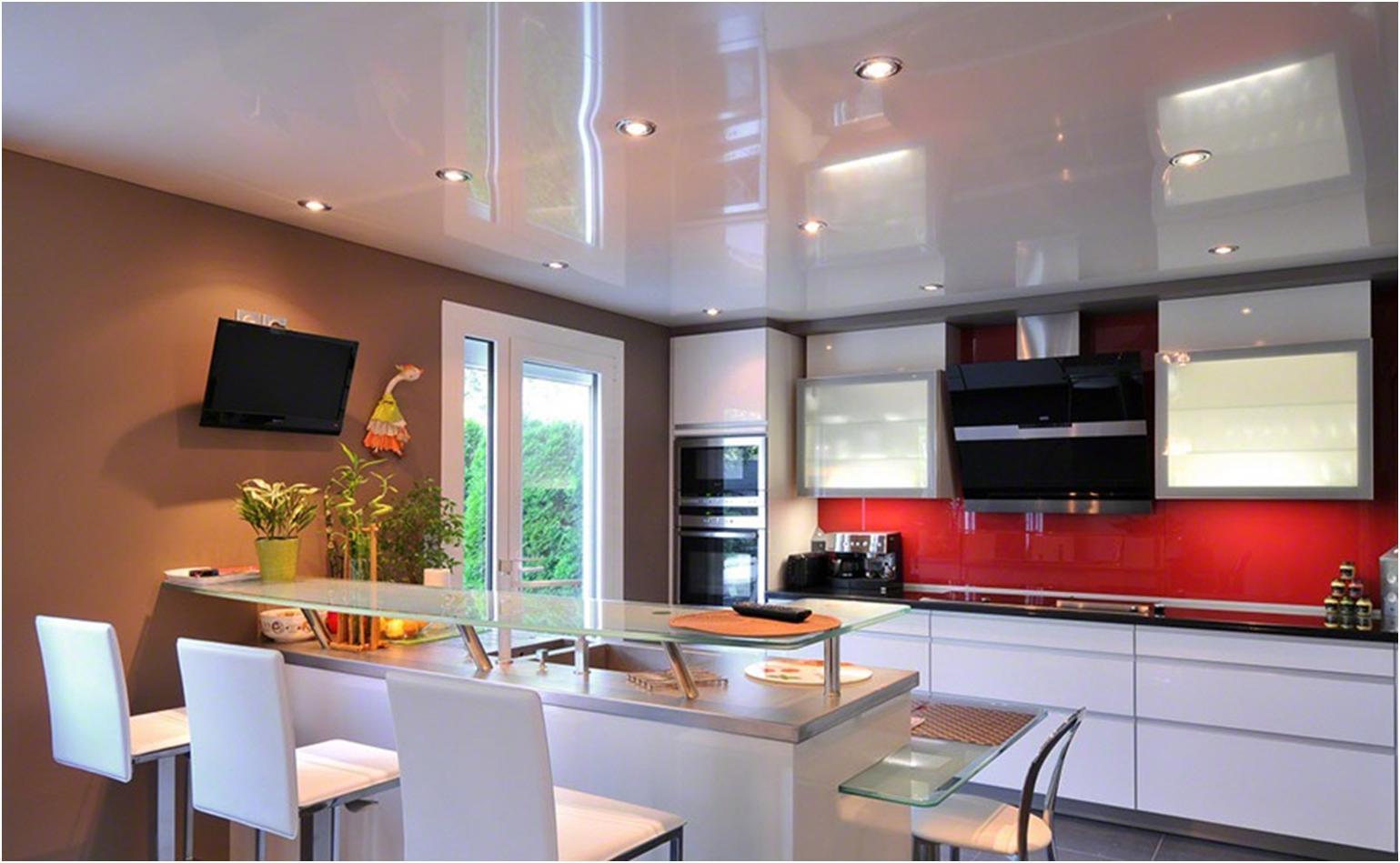 Дизайн потолков натяжных для кухни