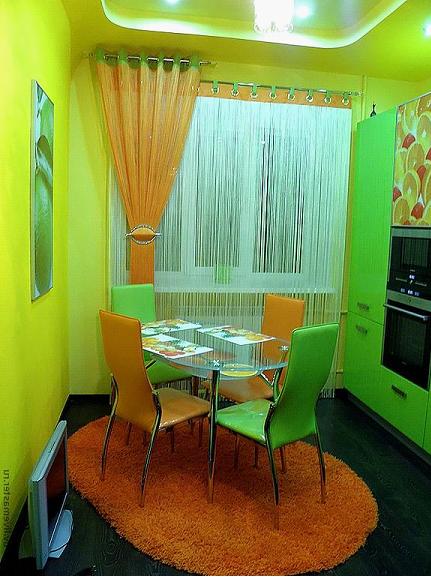 Зеленые занавески на кухню