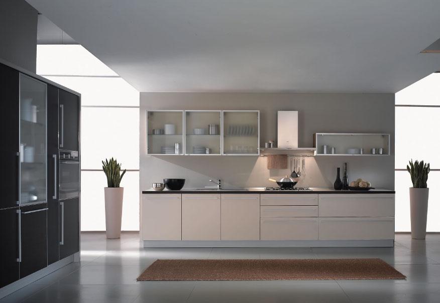 Стеклянный фасад на кухне
