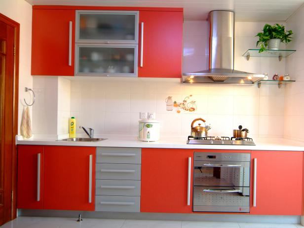 TS-80772277_red-kitchen-cabinets_s4x3